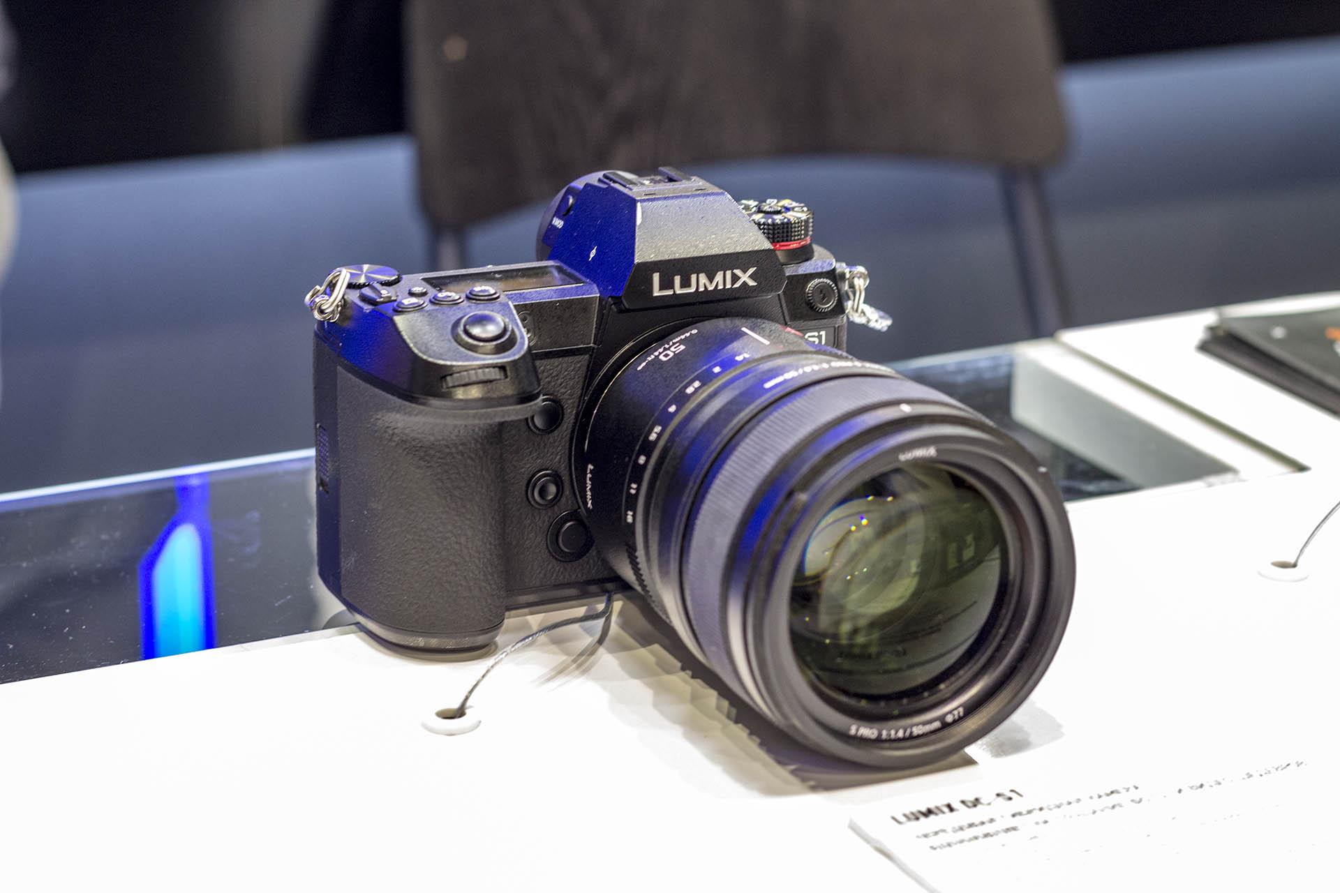 Полнокадровая беззеркальная камера Panssonic S1 на Фото Форуме 2019